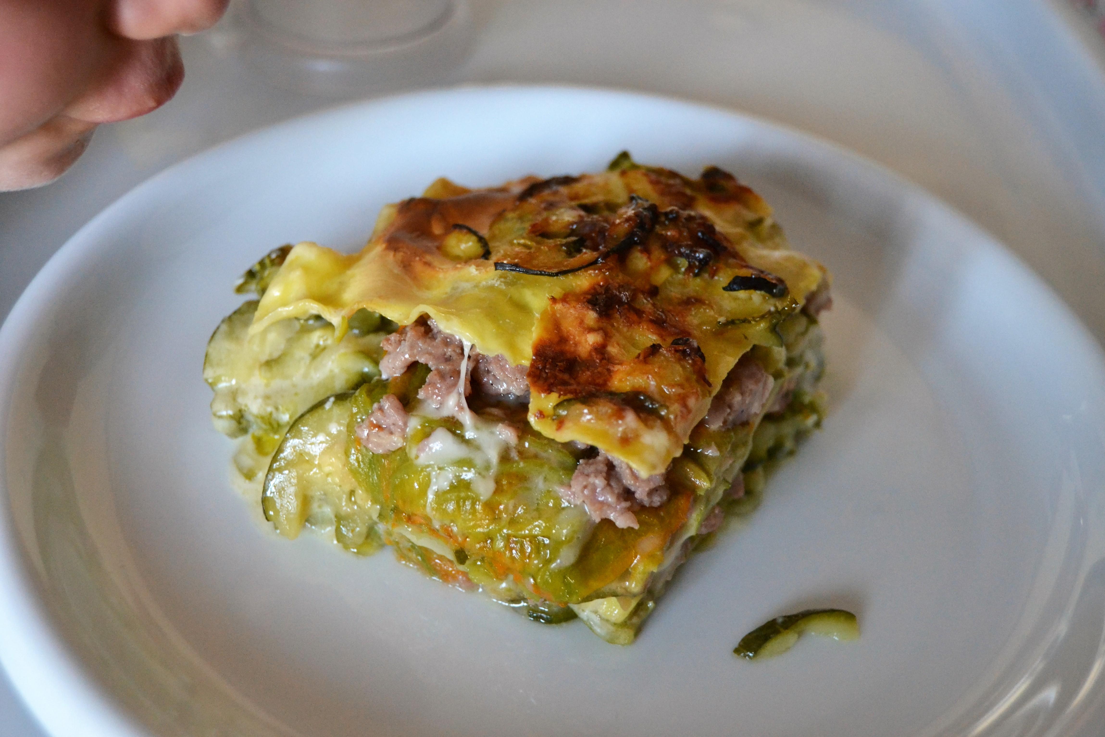 Lasagne ai fiori di zucca, zucchine e salsiccia
