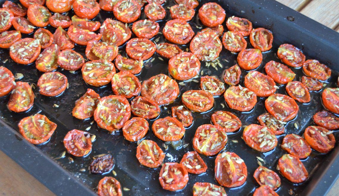 Pomodori datterini canditi al forno con semi di finocchio