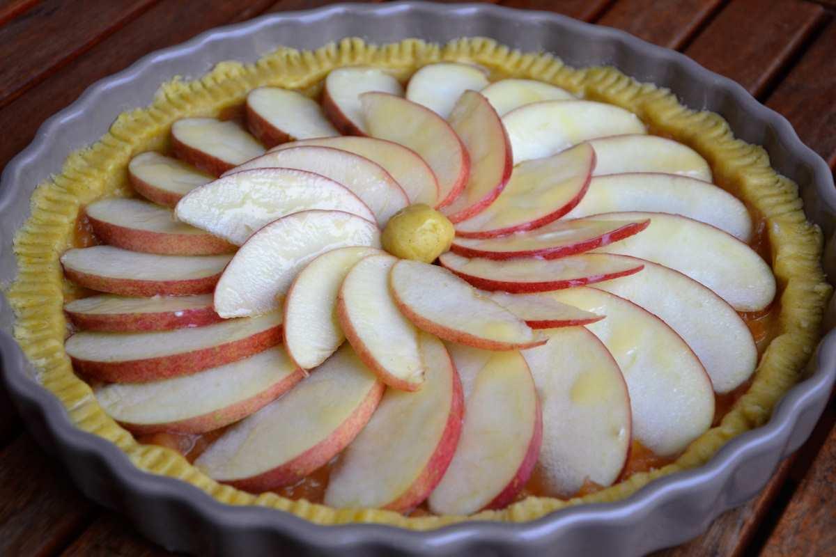 Crostata di mele e vaniglia