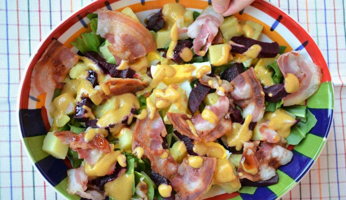 Insalata di barbabietola, patate e pancetta