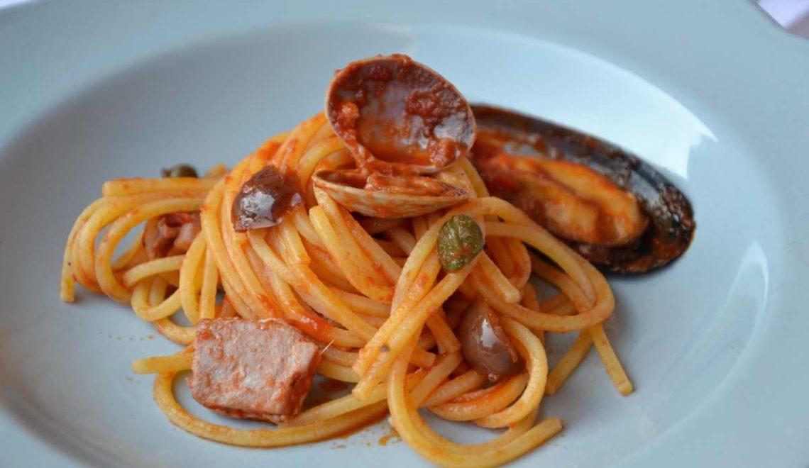 Spaghettoni alla puttanesca…di mare