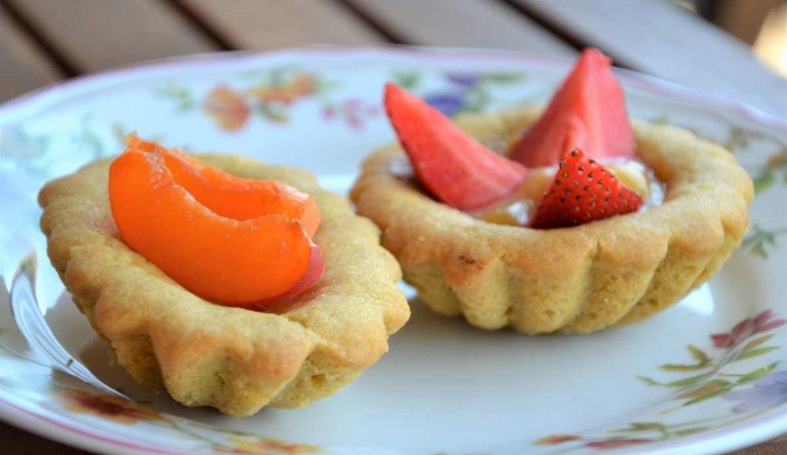 Crostatine alla crema di limone e frutta fresca