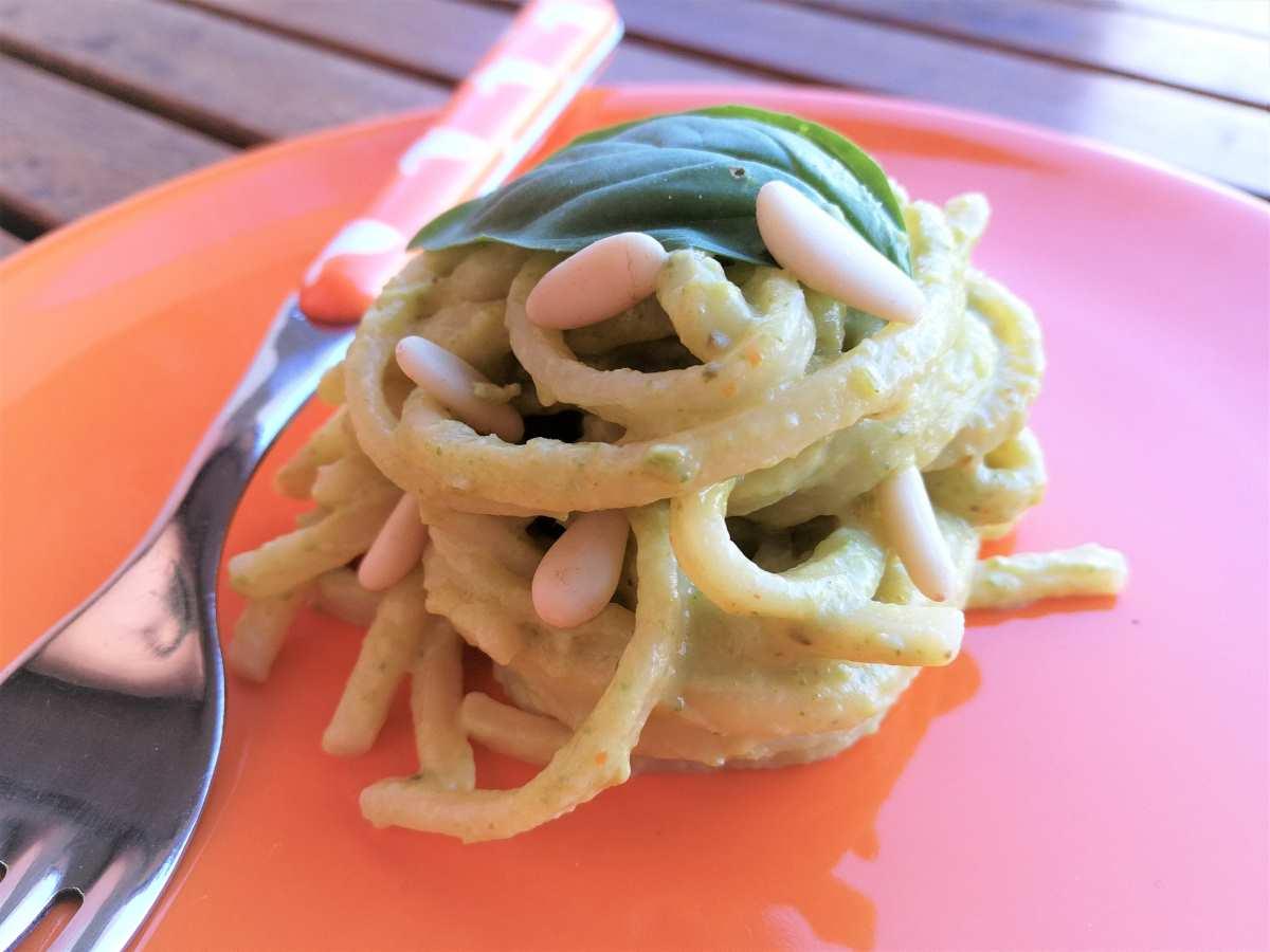 Bigoli con pesto di zucchine ed acciughe del Cantabrico