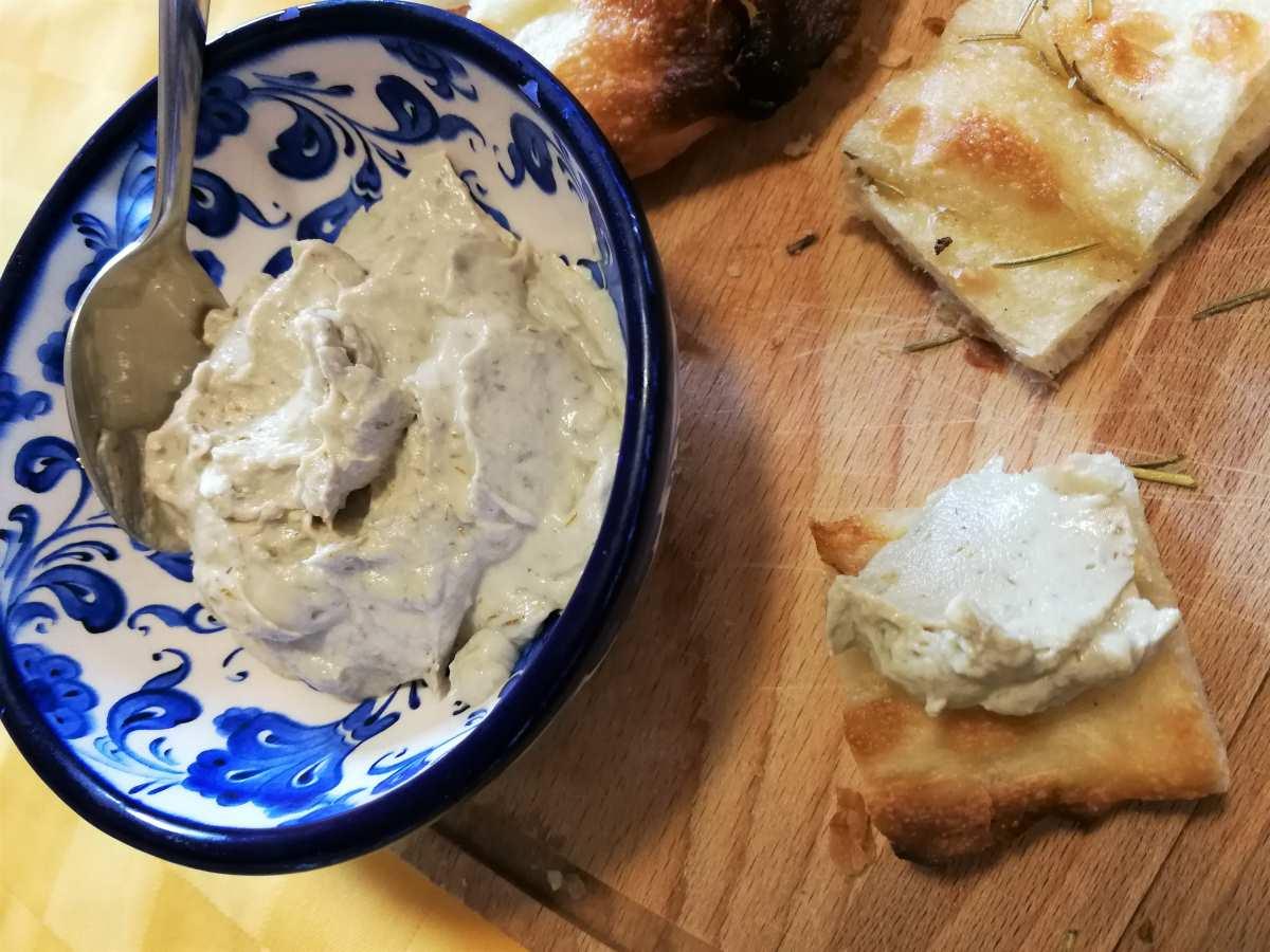 Crema spalmabile di alici del Cantabrico, finocchietto e ricotta