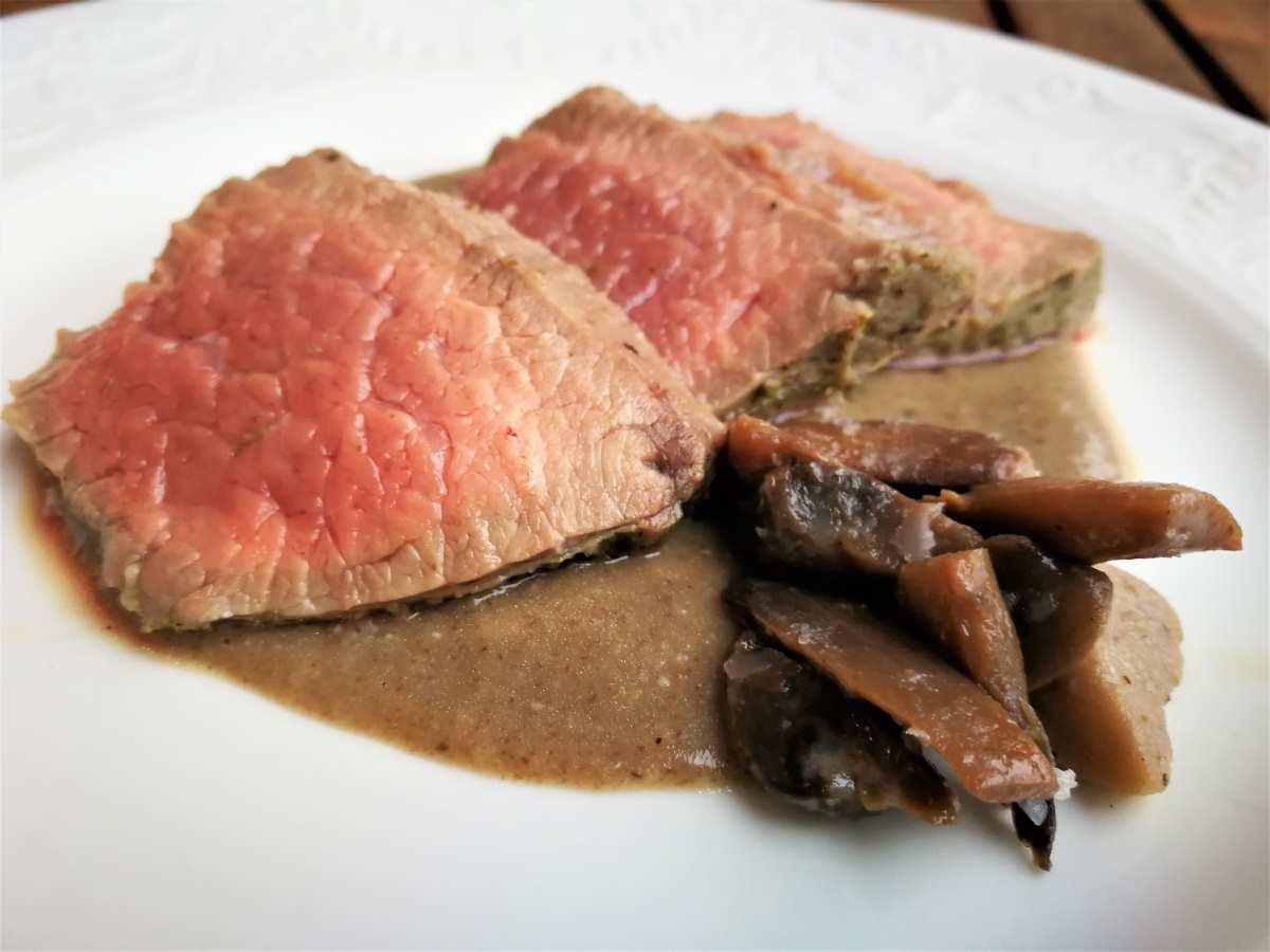 Filetto degli ebrei con salsa vellutata ai funghi