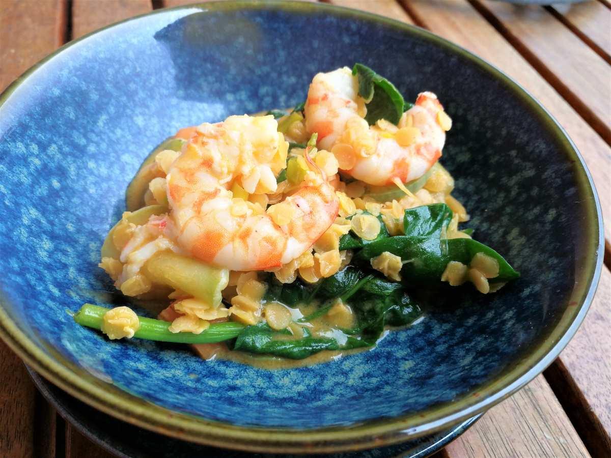 Gamberi, lenticchie e latte di cocco: omaggio alla Thailandia