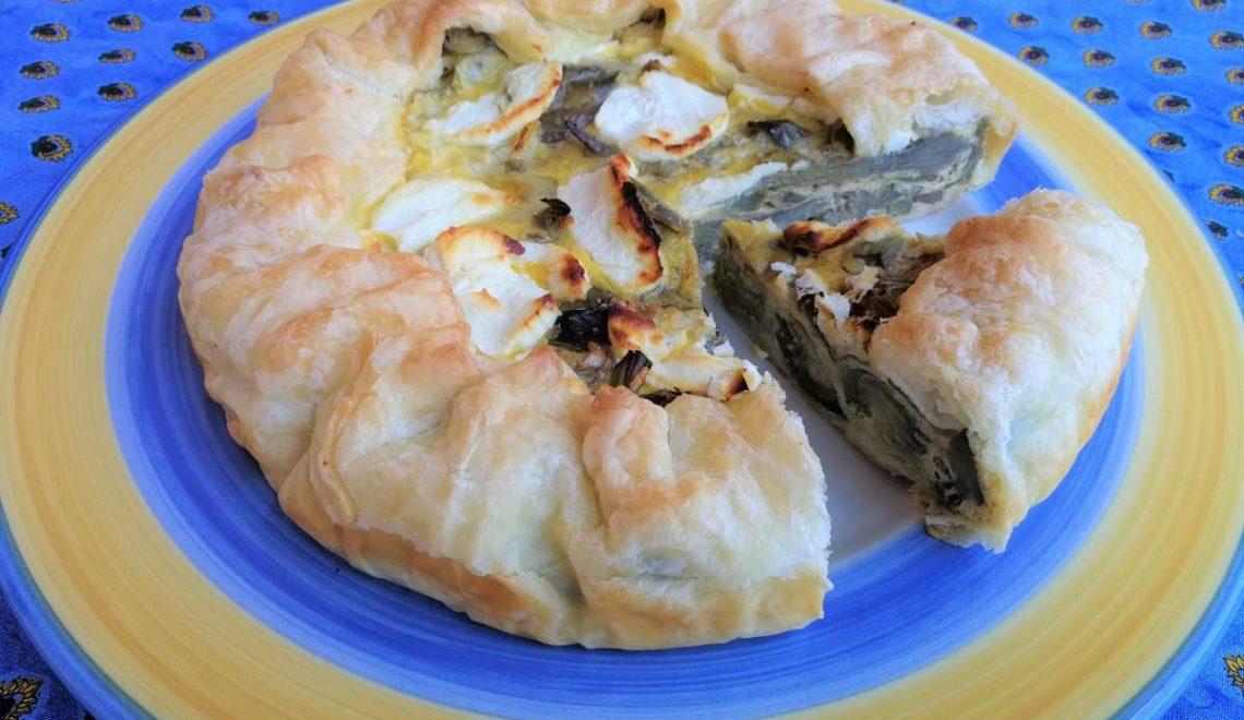 Torta rustica con carciofi, cipollotti e caprino
