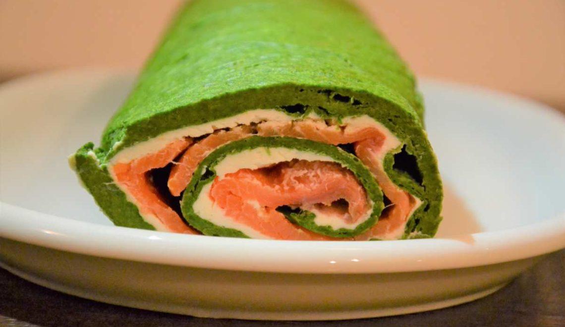 Rotolo salmone, spinaci e formaggio fresco
